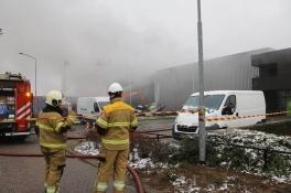 Grote brand bij e-bikebedrijf lijkt 'aanslag', zegt burgemeester van Cuijk