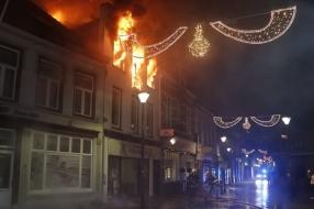 Uitslaande brand in woning boven een Turks restaurant in Boxmeer